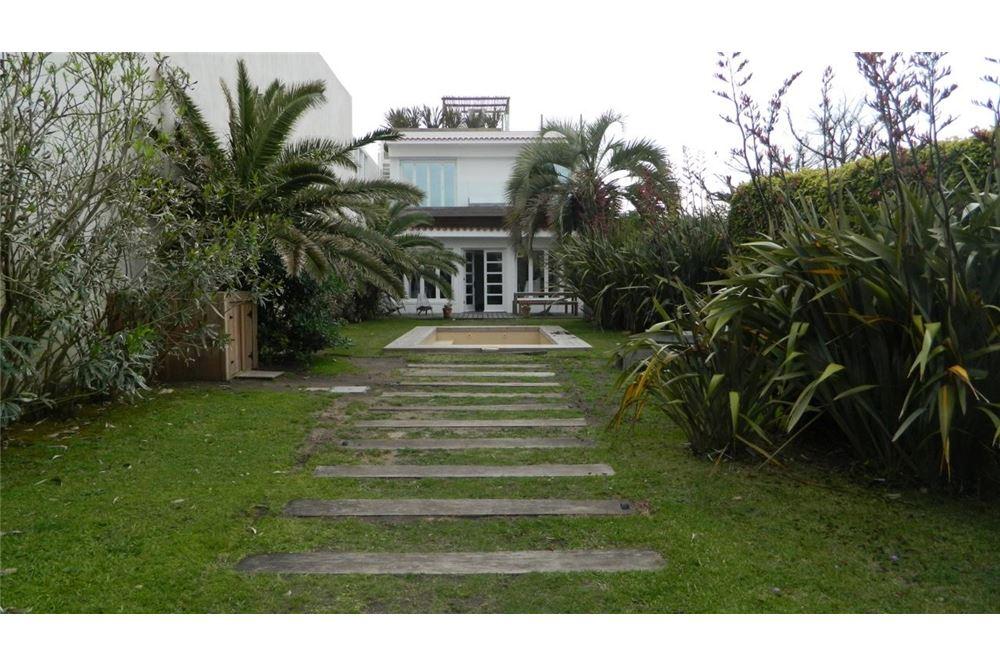Casa Venta o Alquiler en Punta del Este El chorro, Maldonado. Maldonado de 7 Dormitorios